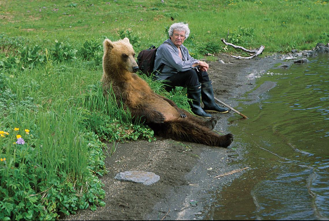 charlie-sitting-with-biscuit-kambalnoye-lake